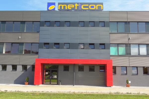 Administratívna budova METICON a. s. výroba oceľových konštrukcií a presklených fasád