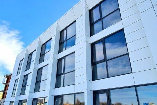 Presklená fasáda okná a dvere Zubné centrum Poprad 16
