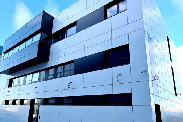 Presklená fasáda okná a dvere Zubné centrum Poprad 25