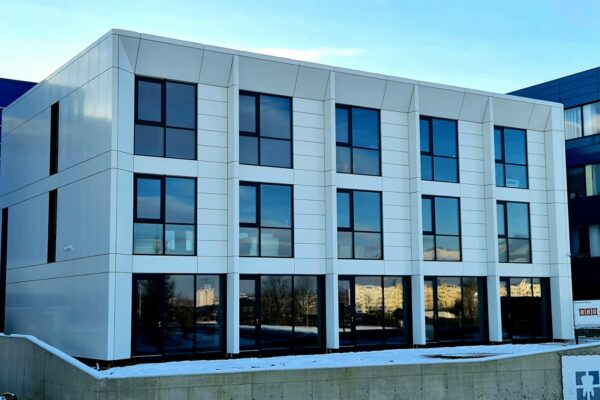 Presklená fasáda okná a dvere Zubné centrum Poprad 26