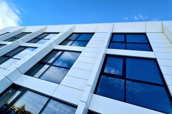 Presklená fasáda okná a dvere Zubné centrum Poprad 4