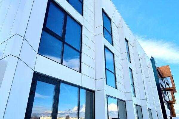 Presklená fasáda okná a dvere Zubné centrum Poprad 5